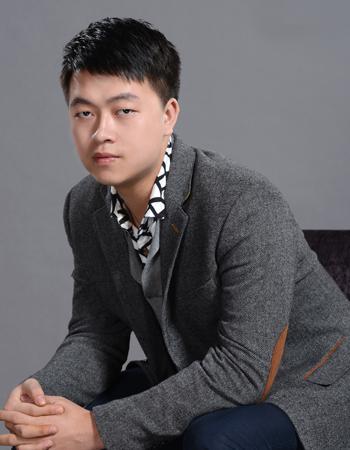 高级设计师胡文华