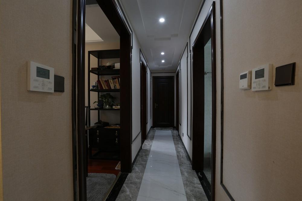 恒基凯旋门 / 新中式风格 / 213平米