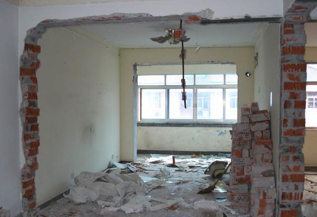 阳台改成厨房,给小户型多腾出一间房来,值得大家学习!