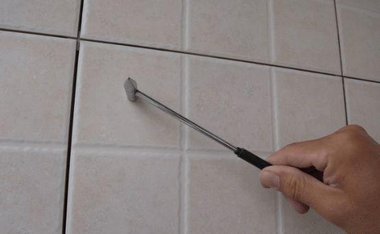 卫生间贴完瓷砖,要做好这4项检查,等打孔时发现空鼓,后悔莫及