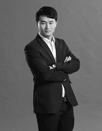 首席设计师邓雄伟