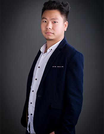 首席设计师李岳光
