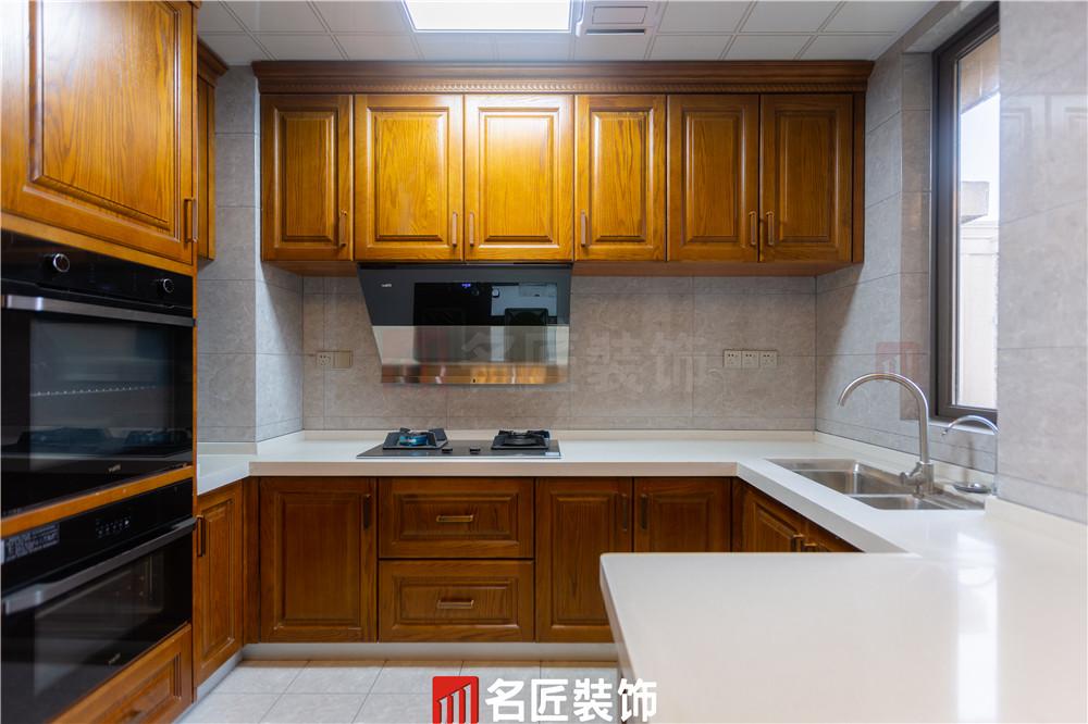 陽光城·尚東灣 / 新中式風格 / 140平米