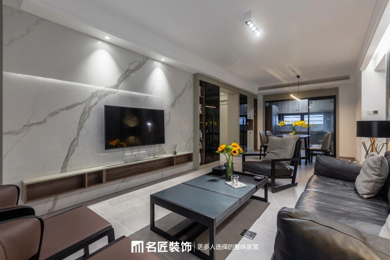 中航城 / 现代简约风格 / 110平米
